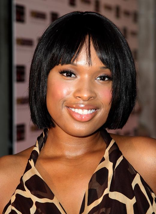 A straight chin-length bob gives Jennifer Hudson a youthful and feminine glow