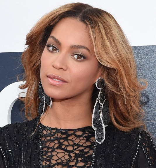 Beyonce-Knowles-Latest-Long-Wavy-Hairstyle-for-Black-Women